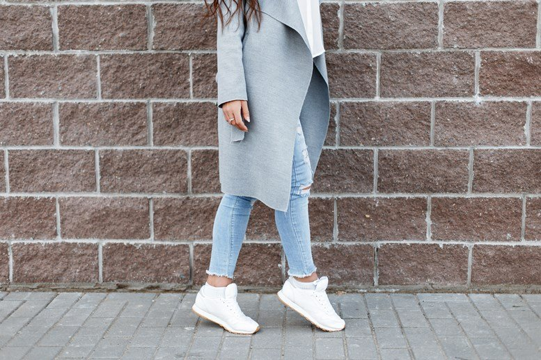 Rock That Casual Look With These 8 Amazing Women's Sneakers