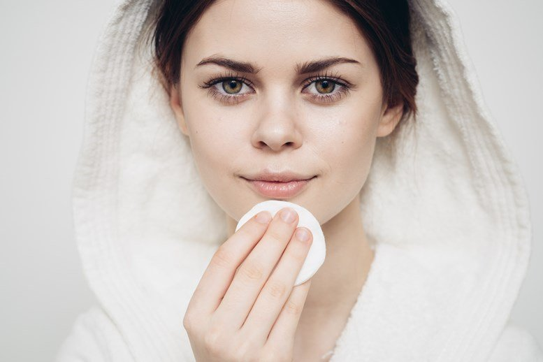 Top 7 Proven Anti-aging Skincare Products for Women