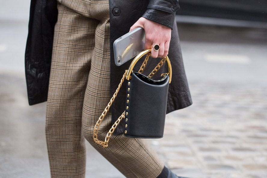 19-Best-Designer-Pouch-And-Clutch-Bags-for-Women-in-2018-Featured-Image-edited