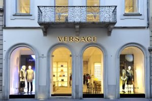 19 Must-have Versace Women's Belts and Accessories - Versace Outlet in Milan, Italy