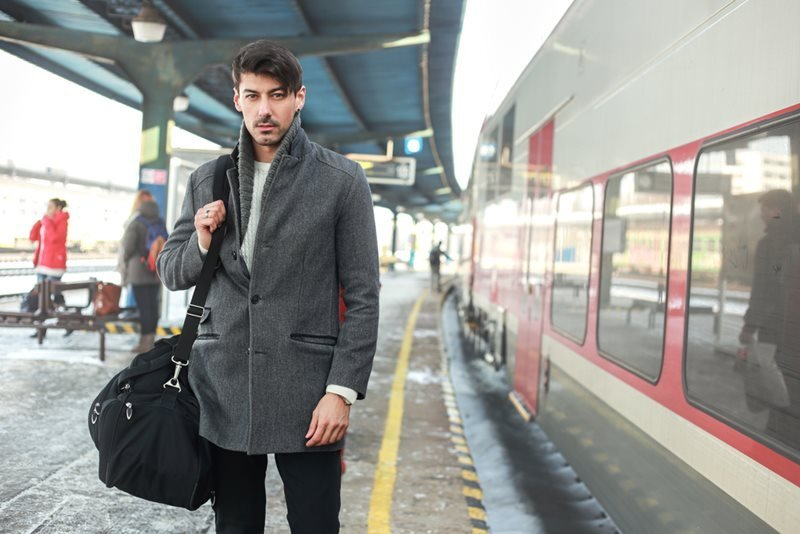 8 Must-haves Black Designer Duffle Bags for Men in 2018 6d28a1382b
