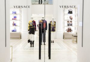 17-Must-have-Versace-Accessories-for-Men-in-2018-Featured-Image-edited