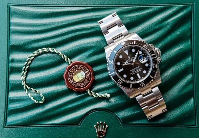 New Rolex Submariner divers watch with the cyclops window.