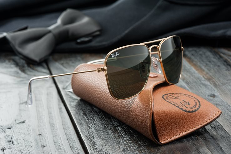 Ray-Ban Caravan with gold frame and classic G-15 Lens