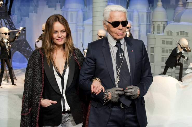 Vanessa Paradis and Karl Lagerfeld during the light period of Paris for Christmas.