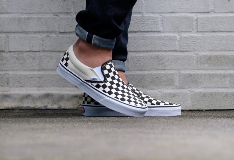vans checker slip on