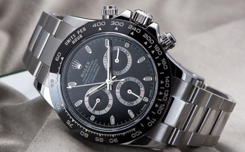 Rolex Cosmograph Daytona Stainless-Steel Watch Review - Featured Image