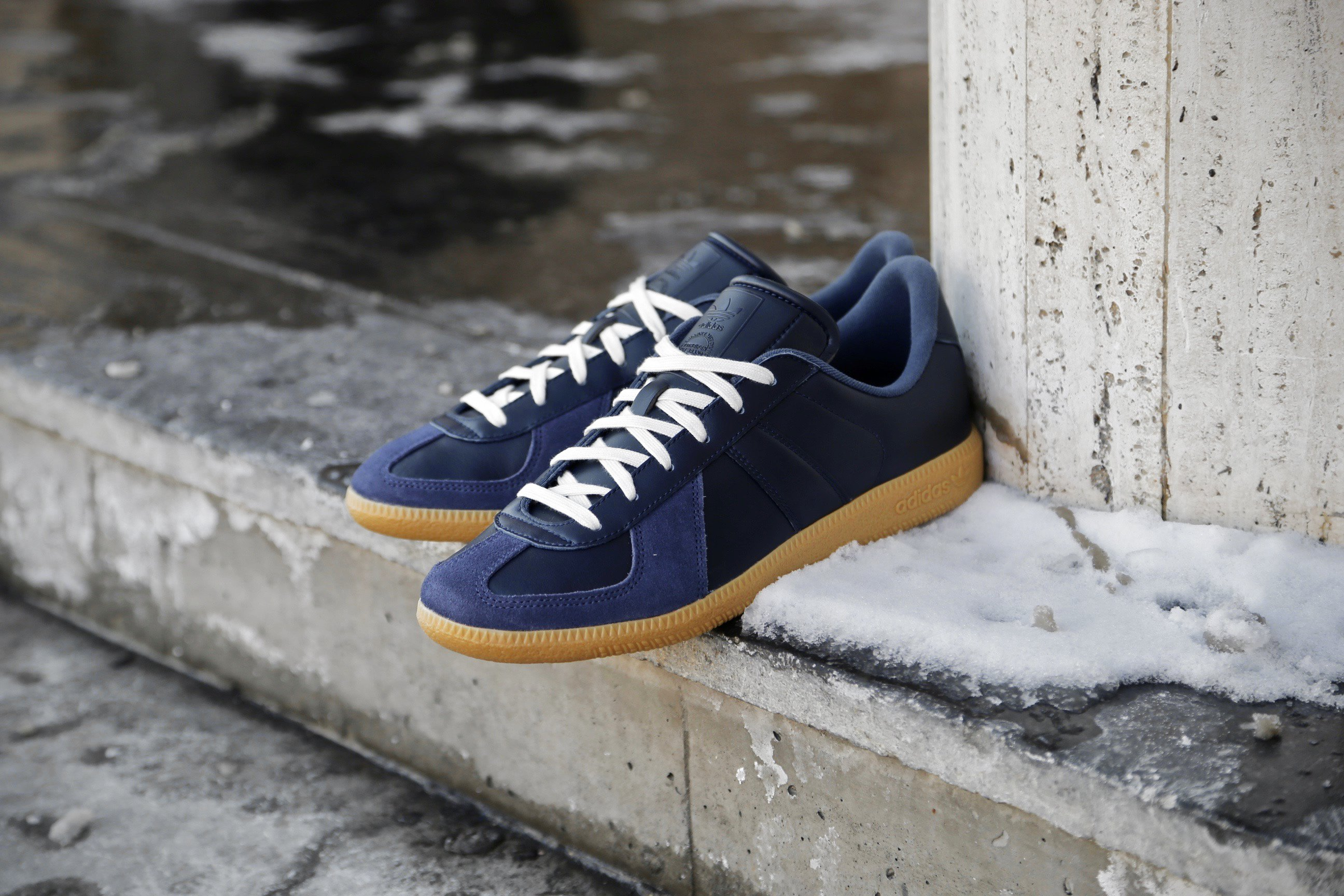 BW Army Trainers Collegiate Navy