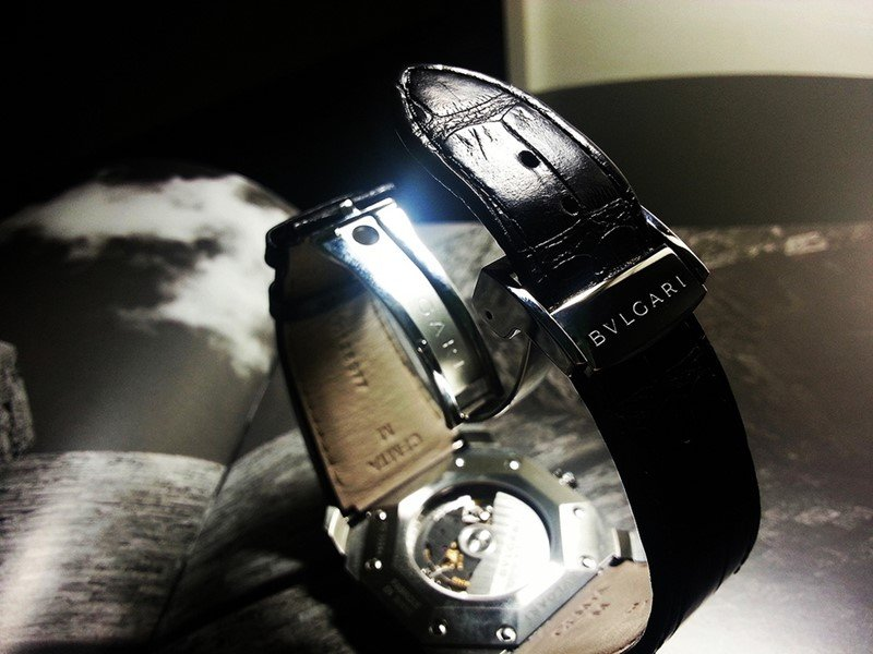 Bulgari Octo 18k Pink Gold and Alligator Strap Watch Review 8