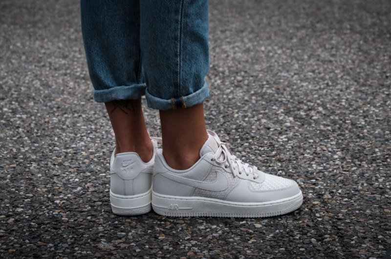 c080ead9bc Nike Air Force 1 '07 Women's Shoe Review - Featured image
