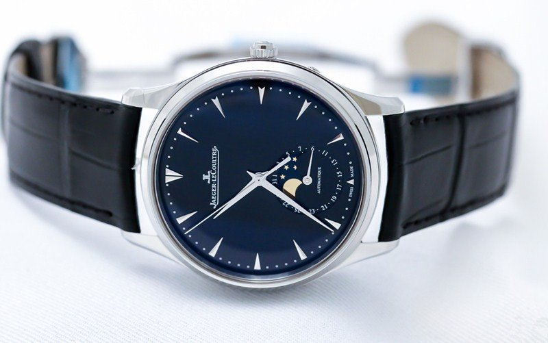 Jaeger- LeCoultre Master Ultra Thin Moon 39 Watch Review 6