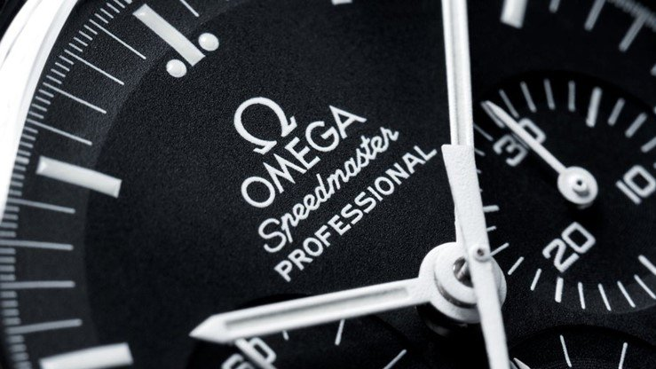 Omega Speedmaster Moonwatch Chronograph Watch Review 2