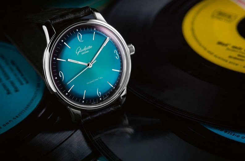 Glashütte Original Sixties with Green Dial Watch Review