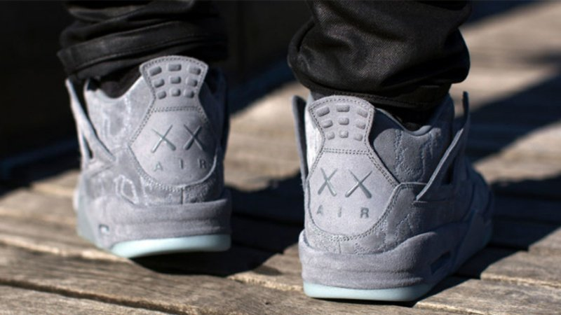 Air Jordan x Kaws IV Sneakers Review 4