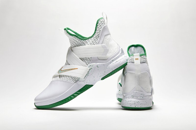a9892600658 Nike Lebron Soldier 12 Svsm Basketball Shoes Review