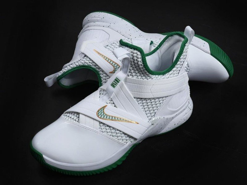 sports shoes 2f8e2 25a70 Nike Lebron Soldier 12 Svsm Basketball Shoes Review