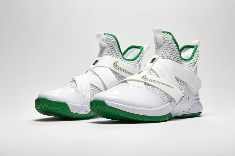 sports shoes 6c4aa 59a7b Nike Lebron Soldier 12 Svsm Basketball Shoes Review
