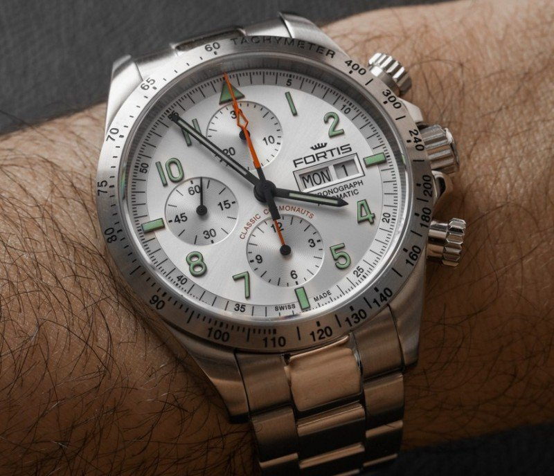 Fortis Classic Cosmonauts Steel A.M. Watch Review 6