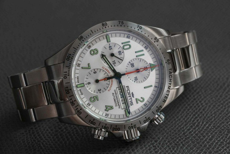 Fortis Classic Cosmonauts Steel A.M. Watch Review 4