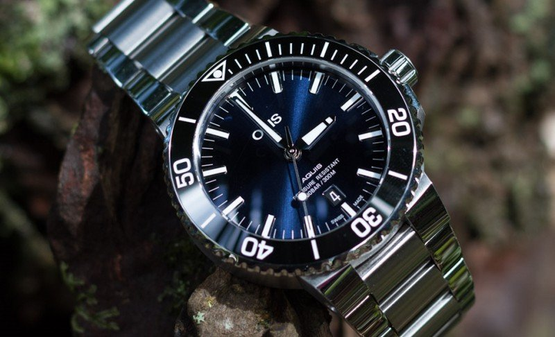 Oris Aquis Date Blue Dial Watch Review
