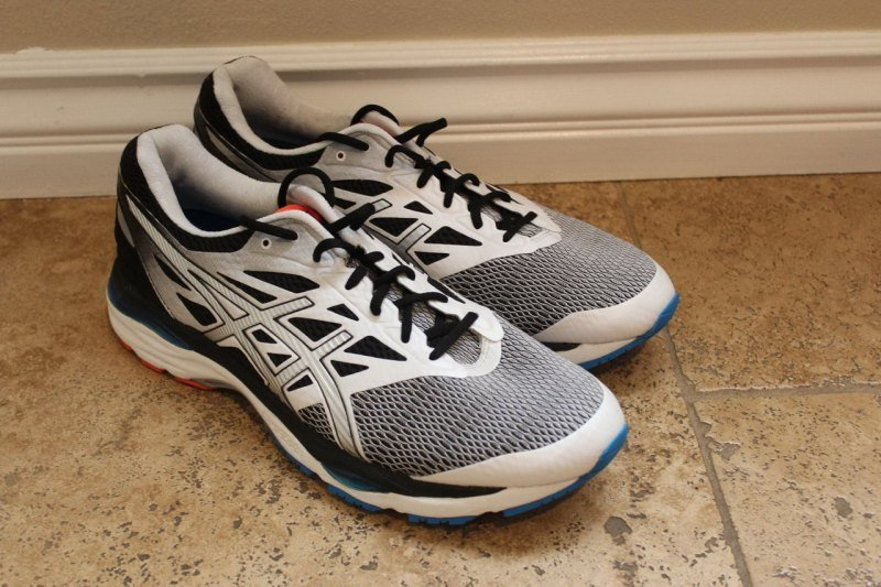 ASICS Gel-Cumulus 18 Running Shoes Sneakers Review 6 3a62cba51bcda