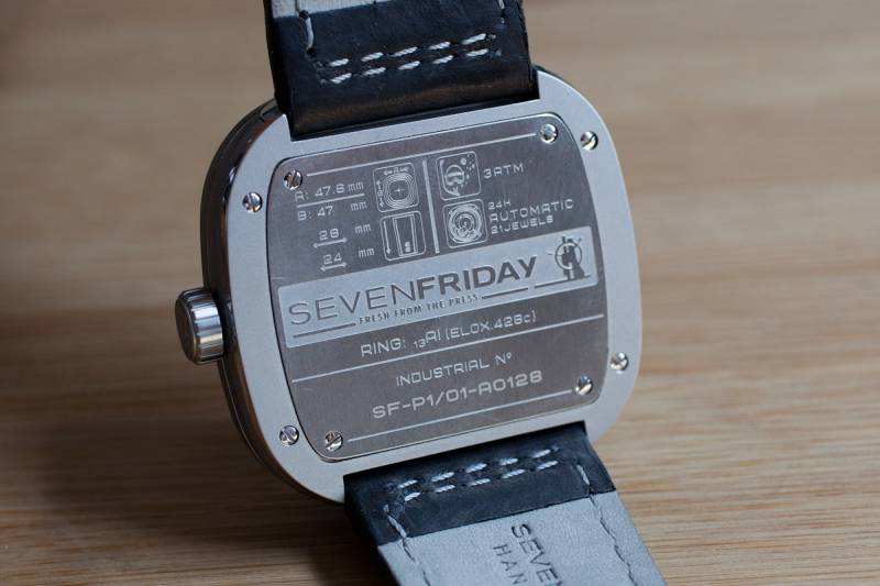 SEVENFRIDAY P1 1 Watch Review 4
