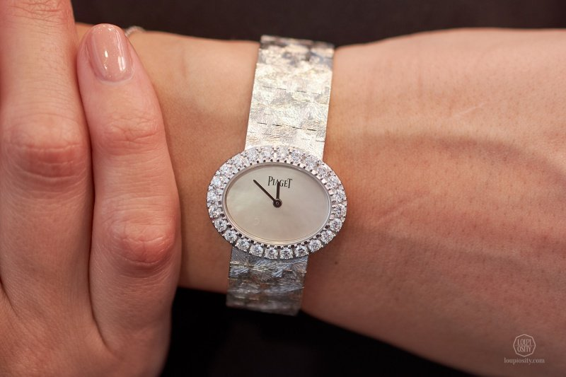 """Piaget Extremely Lady """"Traditonal Oval"""" Watch Review"""