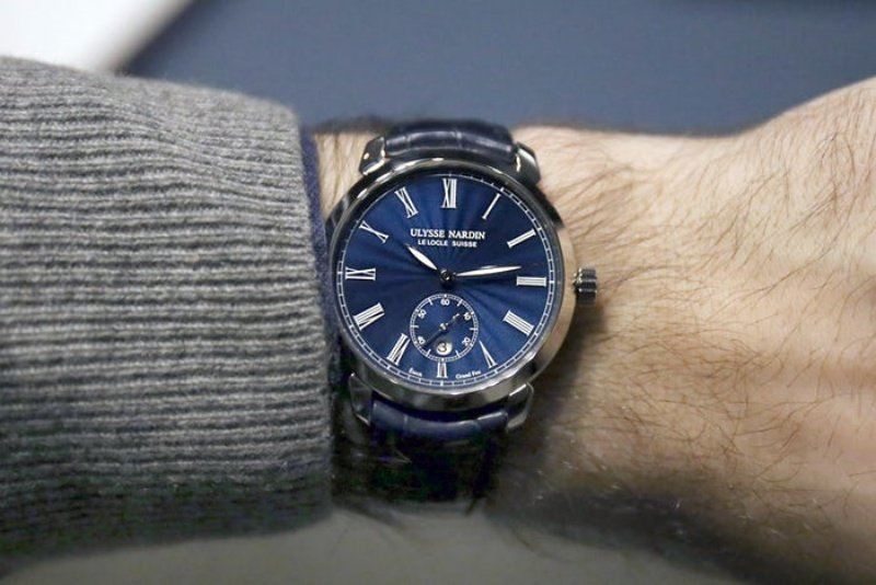 Ulysse Nardin Classico 3203 Watch Review 4