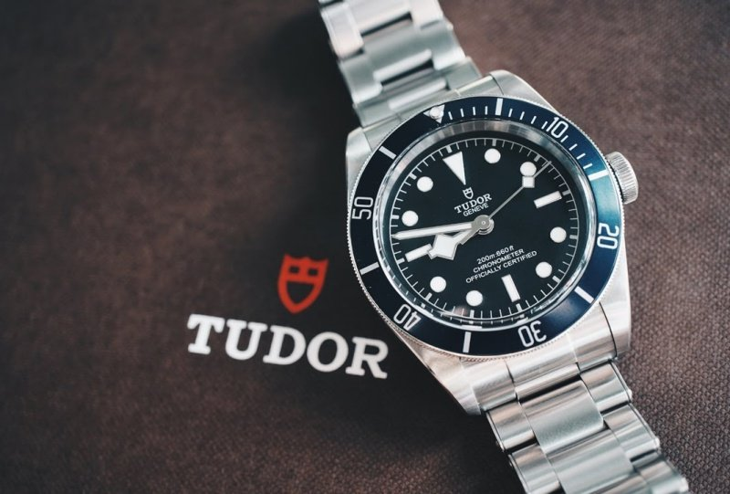Tudor Heritage Black Bay 79220B Watch Review