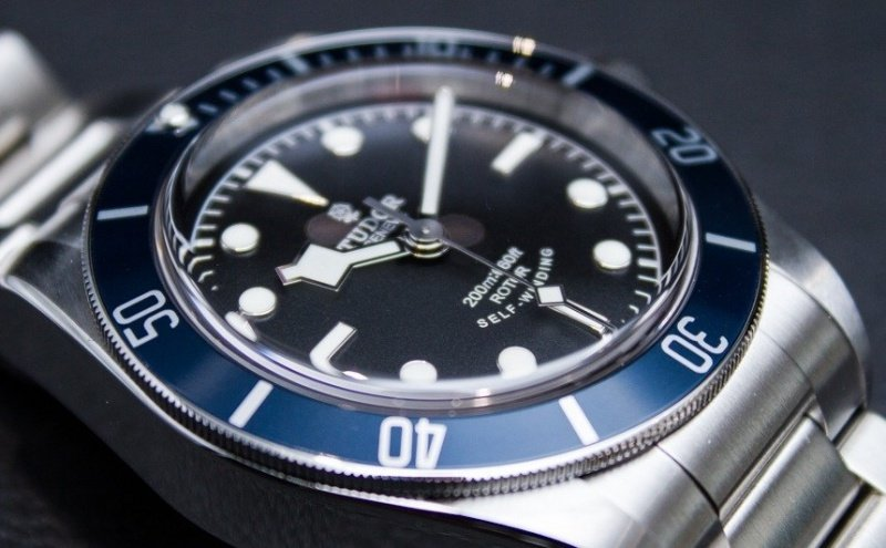 Tudor Heritage Black Bay 79220B Watch Review 2