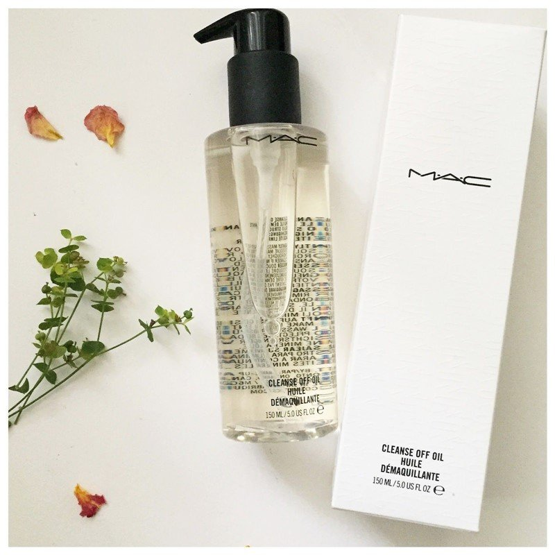 M.A.C. Cleanse Off Oil