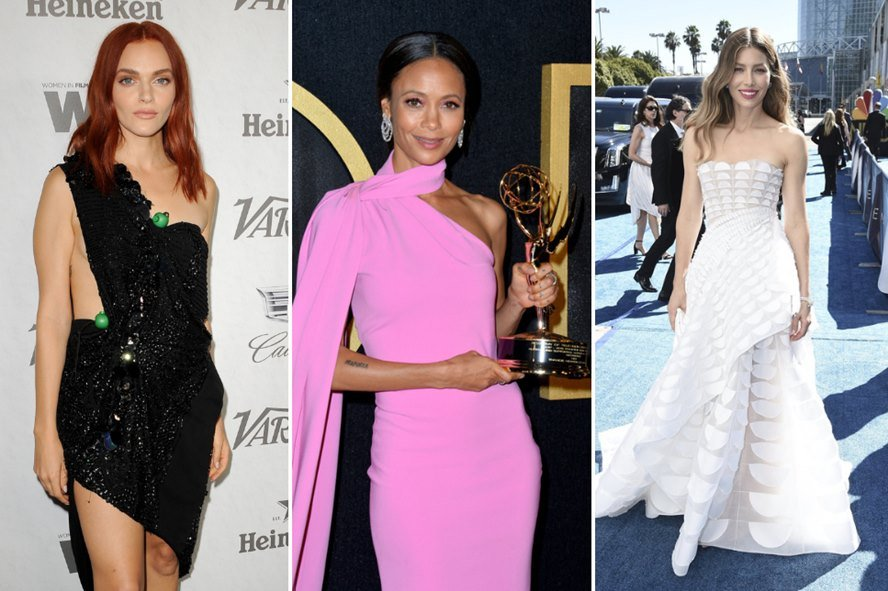 Top Hair And Makeup Looks at the Emmys 2018 Red Carpet - Featured Image
