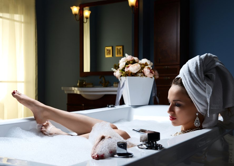 Pamper Yourself With The Ultimate Luxurious Bath - Featured image