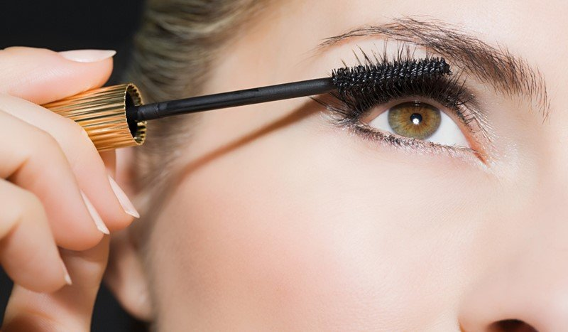 Give Your Lashes A Fabulous Look With These Extravagant Mascaras 2