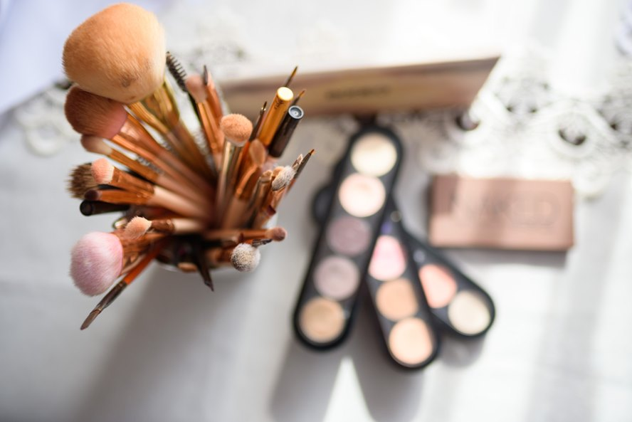 Best Luxury Beauty Buys This Upcoming Cyber Monday - What To Buy and Where To Buy Them - Featured Image