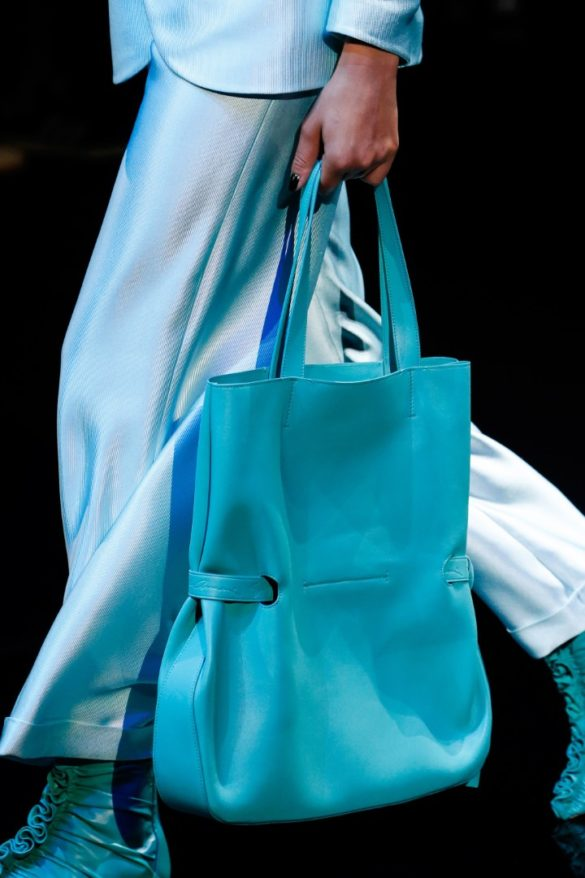 Eye-catching Bags from Giorgio Armani Spring 2019 Fashion Show - Photo 24