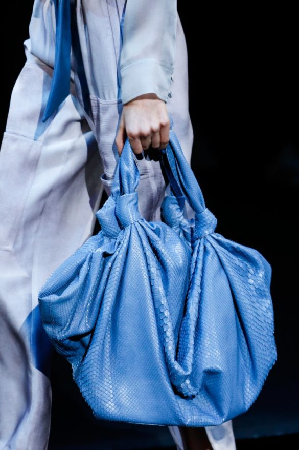 Eye-catching Bags from Giorgio Armani Spring 2019 Fashion Show - Photo 20