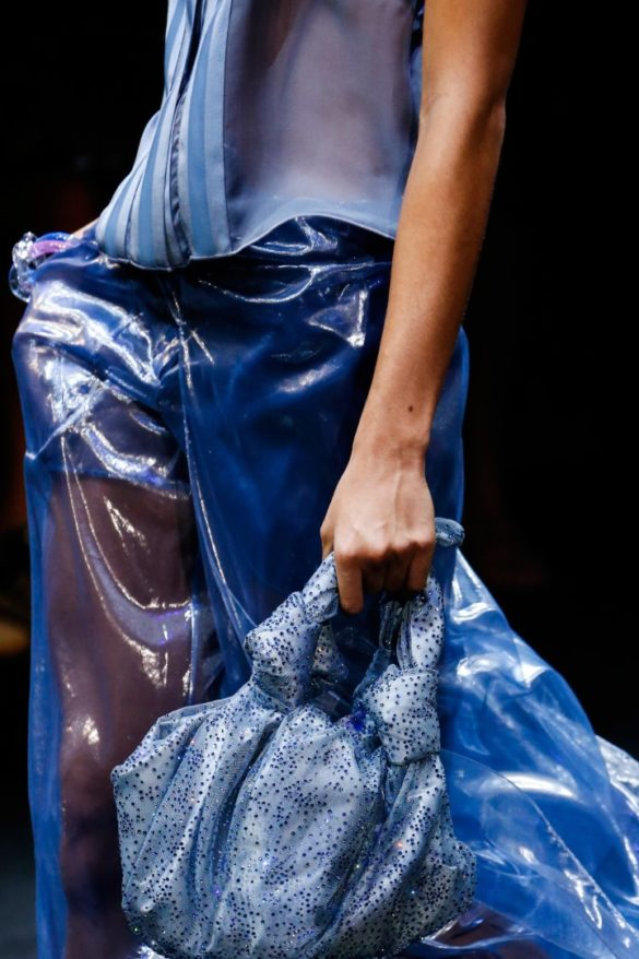 Eye-catching Bags from Giorgio Armani Spring 2019 Fashion Show - Photo 19