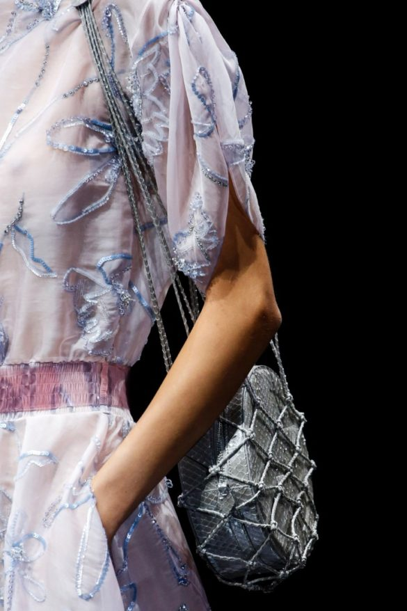 Eye-catching Bags from Giorgio Armani Spring 2019 Fashion Show - Photo 13