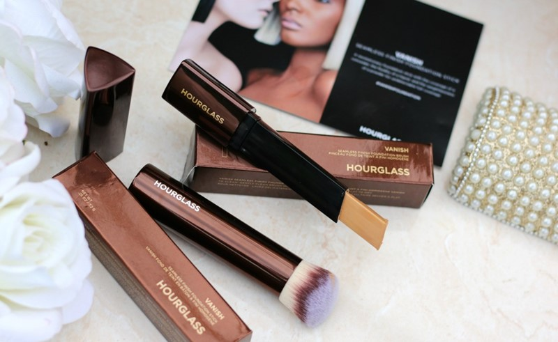 Hourglass-Vanish-Seamless-Finish-Foundation-Stick