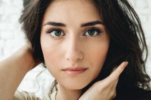 Tips-and-Tricks-How-To-Achieve-The-Perfect-Natural-Eye-Makeup-Look-Featured-Image