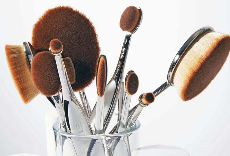 Artis-Came-Up-With-The-Most-Luxurious-Bespoke-Brushes-4