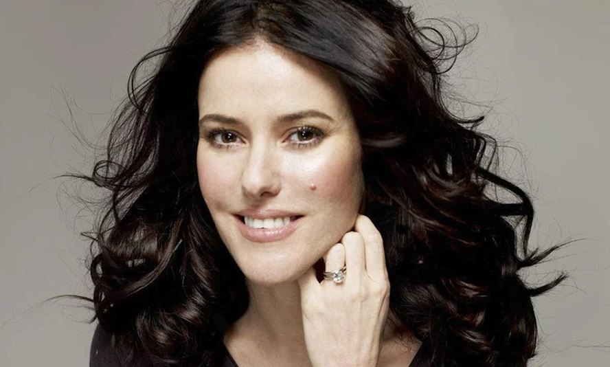 Get-Ready-for-The-Newest-Beauty-Line-of-Makeup-Star-Lisa-Eldridge-Featured-Image