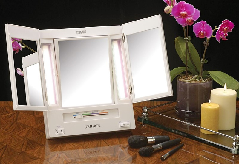 Jerdon-Tri-Fold-Two-Sided-Lighted-Makeup-Mirror