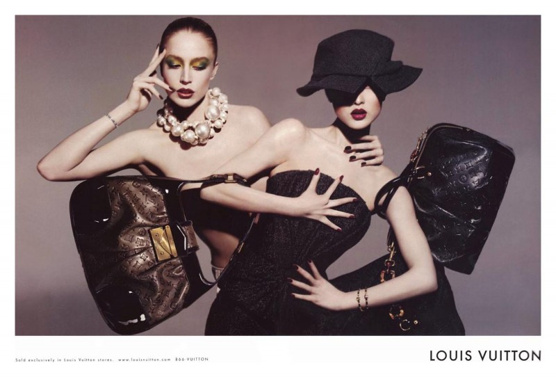 Louis-Vuitton's-Volez-Voguez-Voyagez-Exhibition-is-Now-in-Shanghai-8