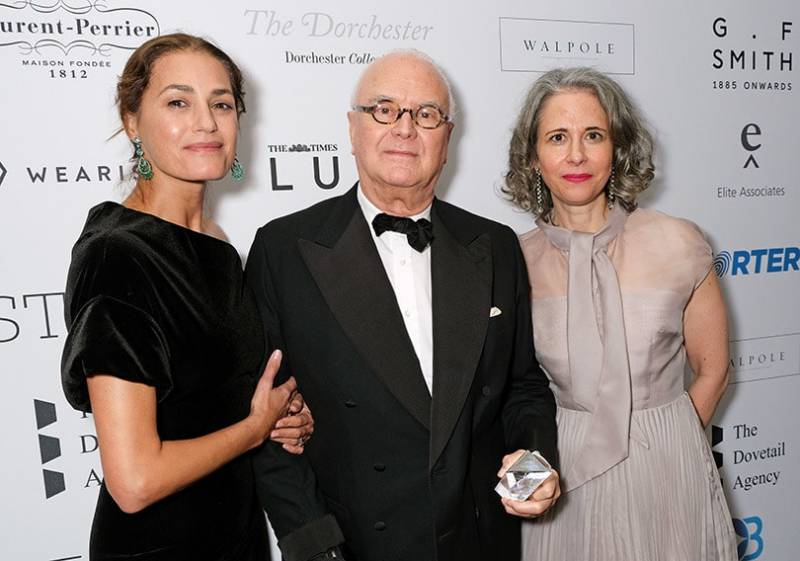 Manolo-Blahnik-Receives-Much-Deserved-Recognition-from-Walpole-4