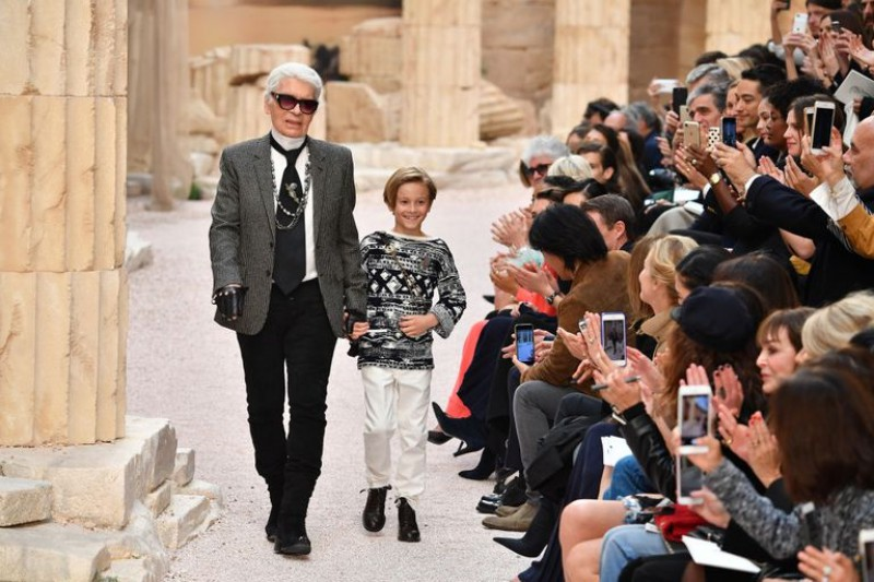 Deep-Dive-Into-Chanel-With-An-Upcoming-Netflix-Docuseries-8