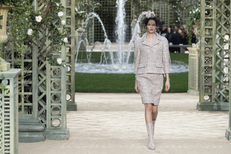 Deep-Dive-Into-Chanel-With-An-Upcoming-Netflix-Docuseries-12