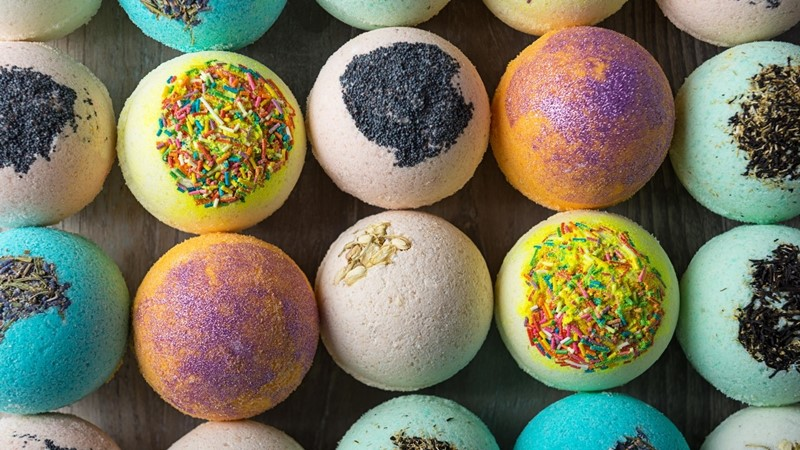 Spice-Up-Your-Bath-Time-With-These-Relaxing-Bath-Bombs-1