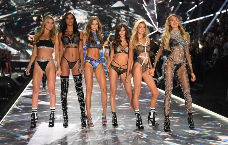 8867a5615577b Victoria s Secret Fashion Show Takes A Staggering Drop In Viewership ...